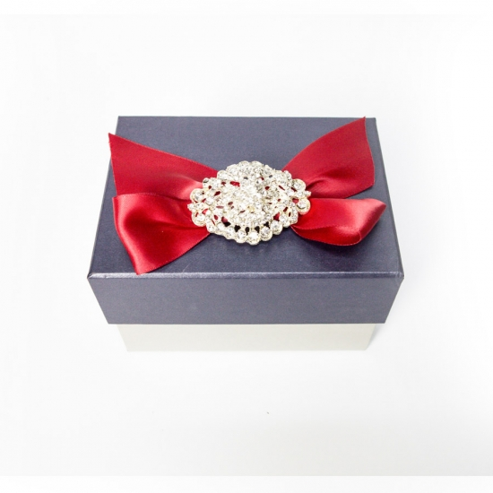 Gift boxes with bowknot